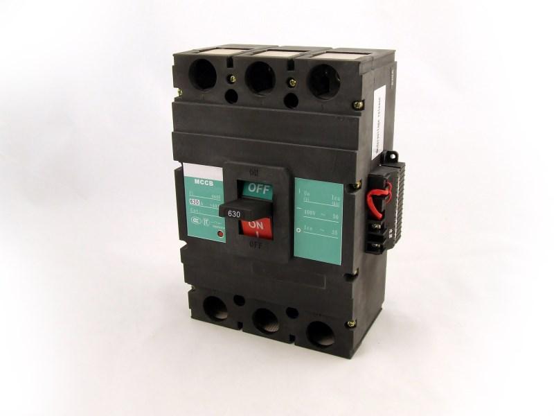 Circuit Breaker 400A
